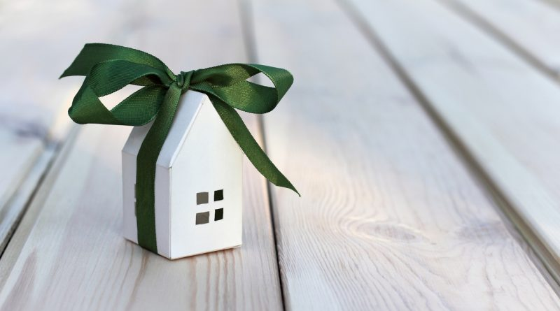 housewarming gifts concept